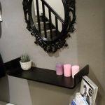 Miroir et tablette avec bougies
